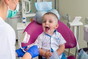 premiere-visite-dentiste-enfant